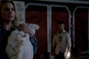 originals-214-Cami-with-Baby-and-Elijah