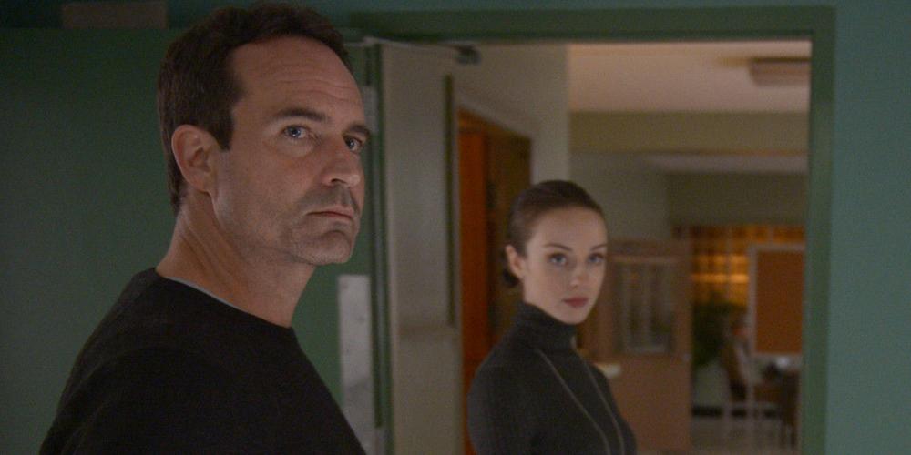 Wayward-Pines-Season-2-Episode-1-Theo-and-Kerry
