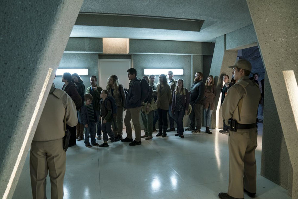 WAYWARD-PINES-Season-2-Episode-10-survivors-queue